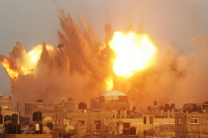 巴以冲突中东地�_巴以冲突升级加沙持续遭空袭
