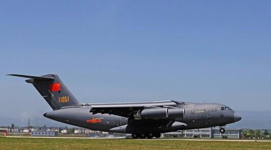 """但国产运输机,预警机,轰炸机等""""大飞机""""的换装速度却"""